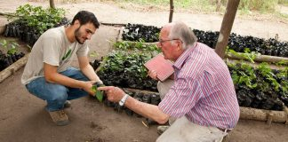 Envol-vert works to plant trees in Colombian regions hard hit by deforestation.