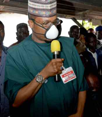 Shina Peller Visits, Compensates Victims Of Fire Outbreak In Iseyin