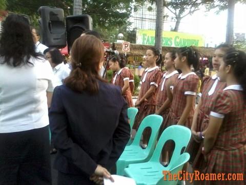 Choir at the Araneta Center Belen Lighting Ceremony