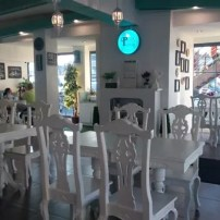 Planas Pantry QC has an all-white interior