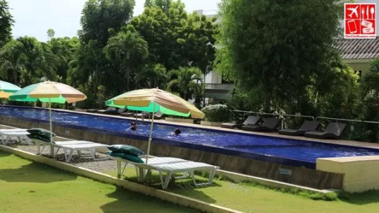 The pool of Casa PIlar
