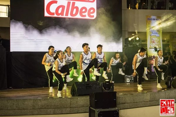 UP Manila Indayog Dance Varsity do their routine at the Dance to the Calbeats Dance Competition