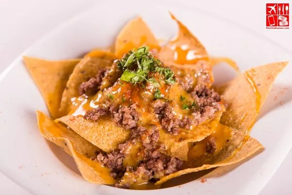 Nachos with Cheese Sauce and Ground Beef