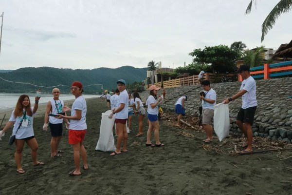 Guests participating in the coastal clean up