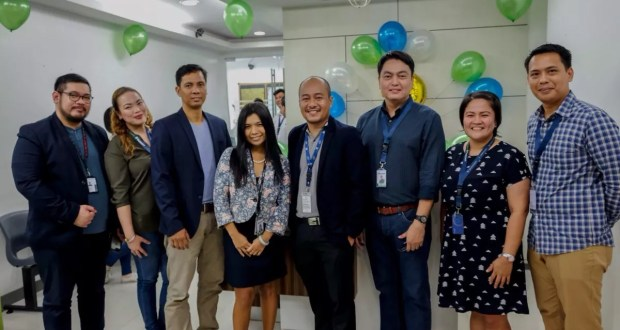 iSupport Worldwide Officers at the handover ceremony of the new site at Robinsons Cyberscape in Ortigas