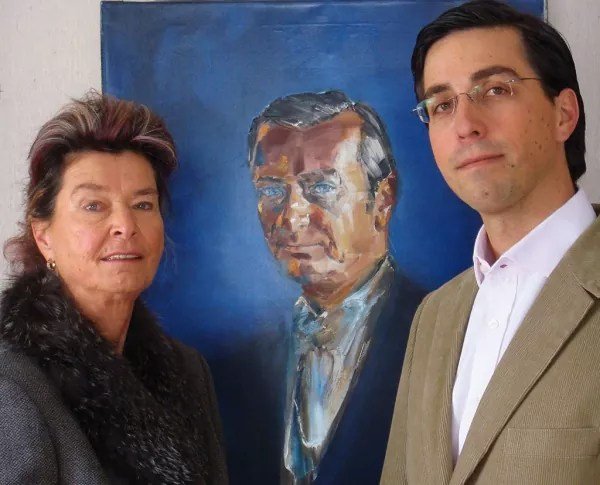Portrait of Dr Siegfred Block flanked by daughter Dr Petra Block and Grandson Dr Daniel Block