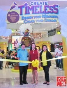 (Right to Left) Ms Cherry Caluya Ms Cherry Go-Yuzon and Mr. Patrick Tong cut the ribbon to officially open the 12th Goldilocks ICDC event