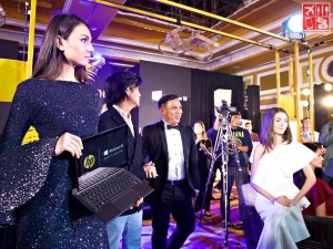 The HP Spectre x2 carried by one of the models