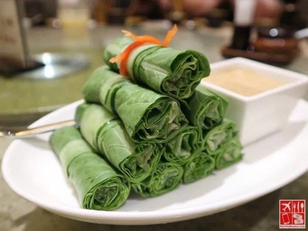 Lettuce Roll with Homemade Sesame Sauce (Php238)