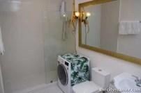 The Showroom - Bath and wash area