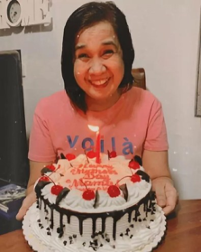 Goldilocks surprised She Guanzon's mom with a cake