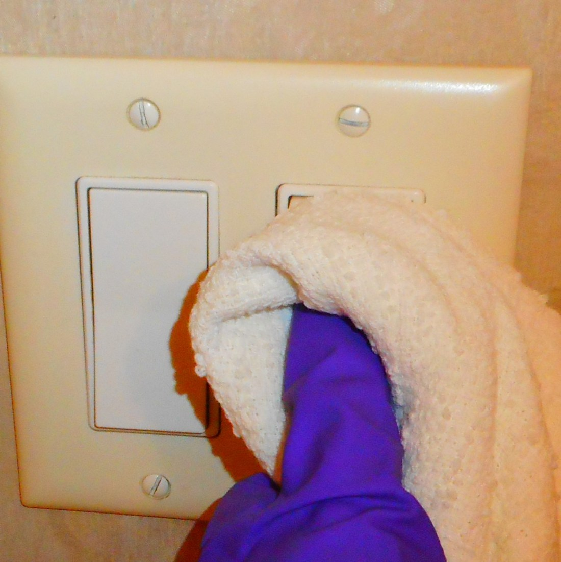 clean switchplate