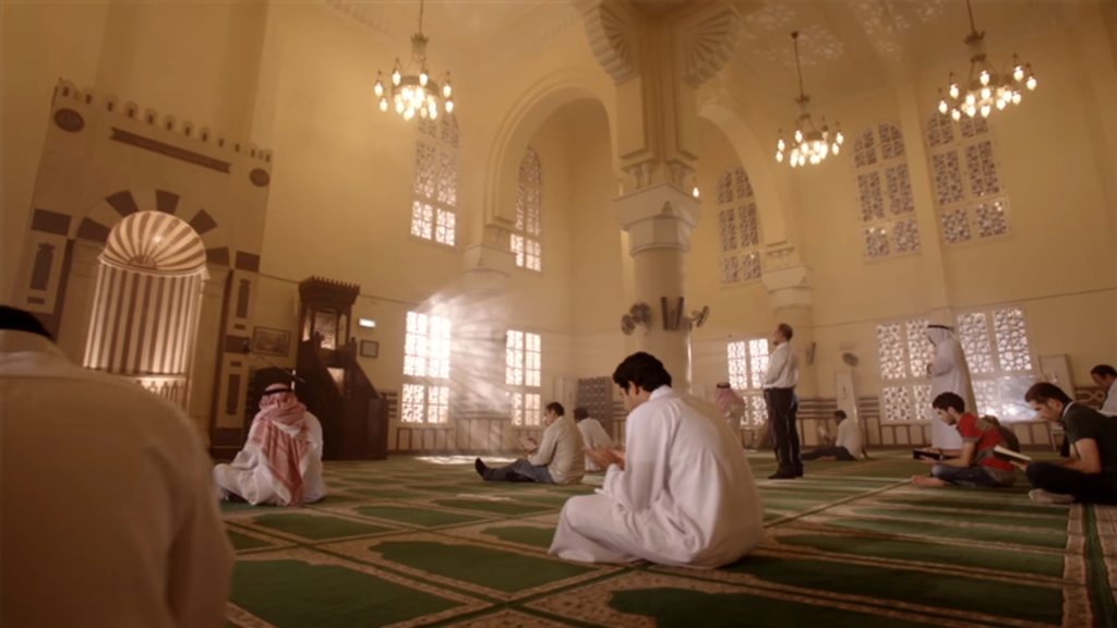 Featured Image - Video Teach your Children about the Importance of Fajr Prayer - صلاة الفجر - Darnasah Media (Arabic)