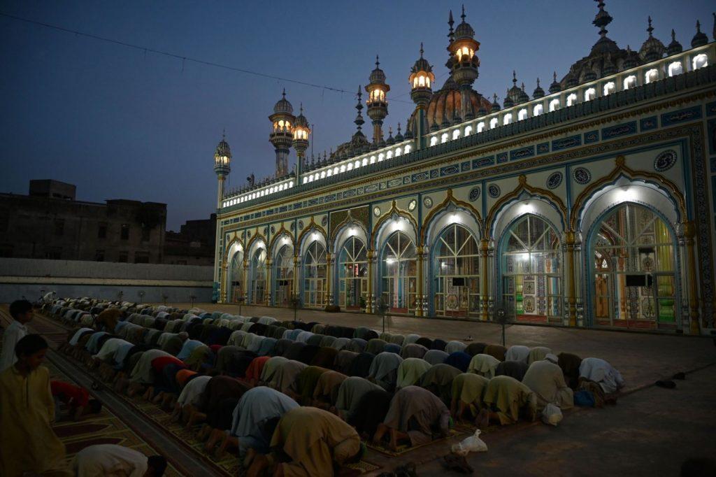 Featured Image - Fitrana (Sadqa e Fitr) (Zakat al Fitr) in India in Ramadan 2019 (English, Urdu)