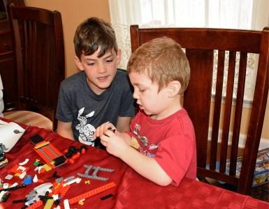 4589, Making Legos