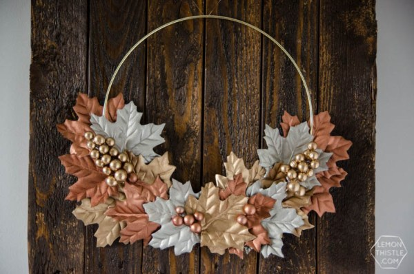 DIY Simple Autumn Metallics Wreath- so perfect for fall!