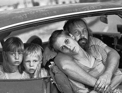 hajléktalan család, homeless