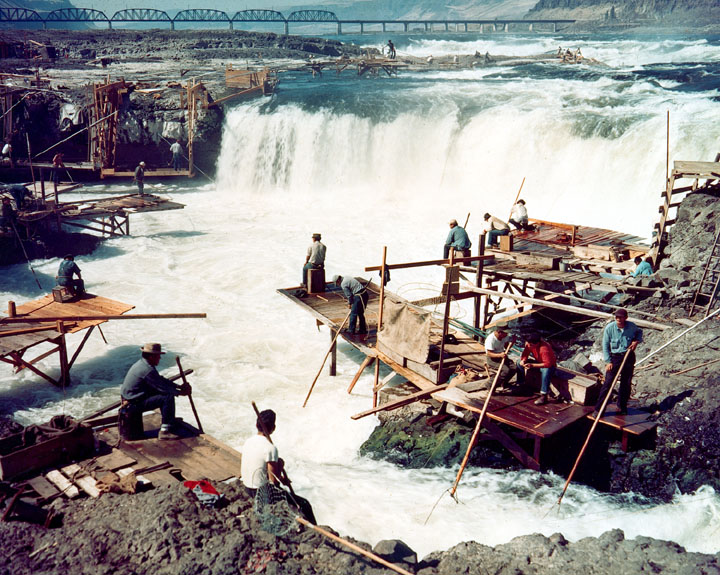 corps-engineers-archives_celilo_falls_color1