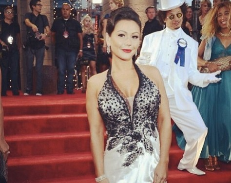 This red carpet photo of Eric Andre and JWoww is funnier than anything at the 2013 VMAs you saw on MTV
