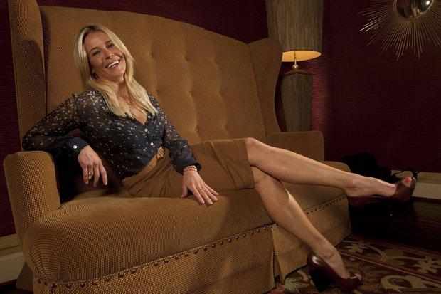 Netflix signs Chelsea Handler to talk-show deal in 2016, and specials starting now
