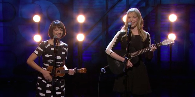 "Garfunkel and Oates perform ""The Fade Away"" on Conan"