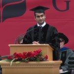 Kumail Nanjiani delivers commencement address at alma mater Grinnell College for Class of 2017