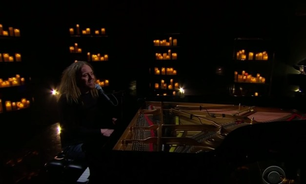 "Tim Minchin performs ""White Wine in the Sun"" on The Late Late Show with James Corden"
