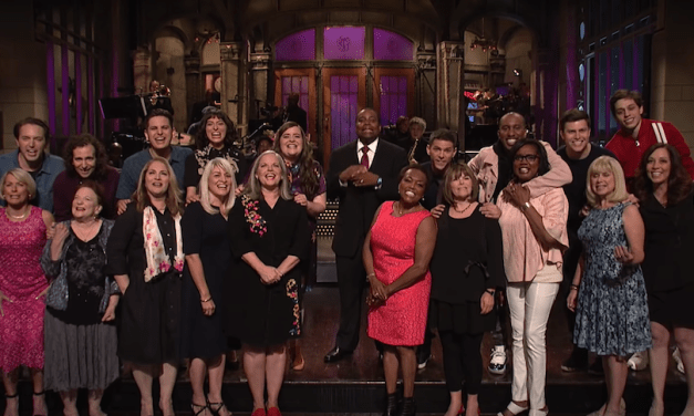 SNL cast members start the show with their mothers for Mother's Day 2018