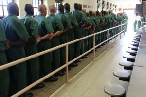 fema prisoners boarding busses