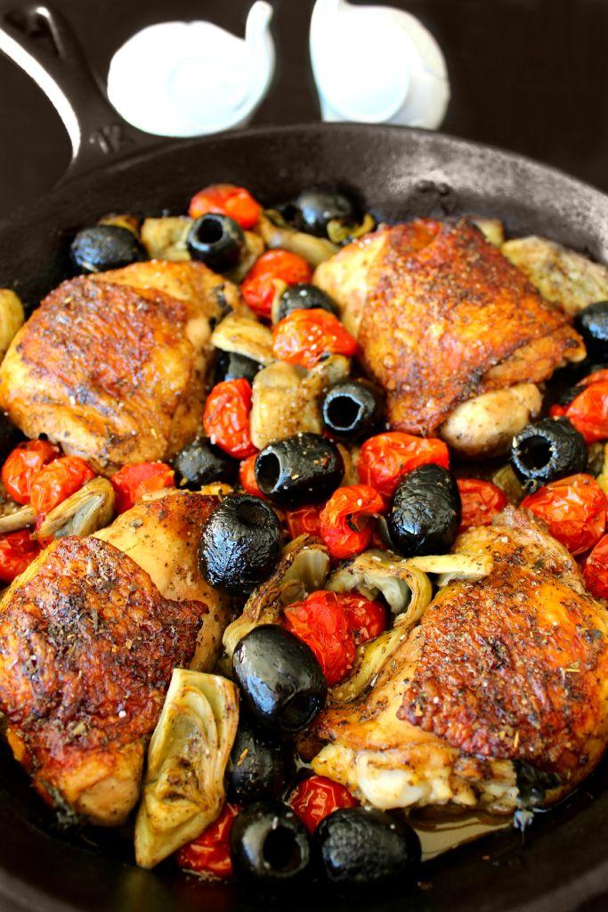 Ready to serve Mediterranean Chicken ~ The Complete Savorist #CalOlivesMedRecipe