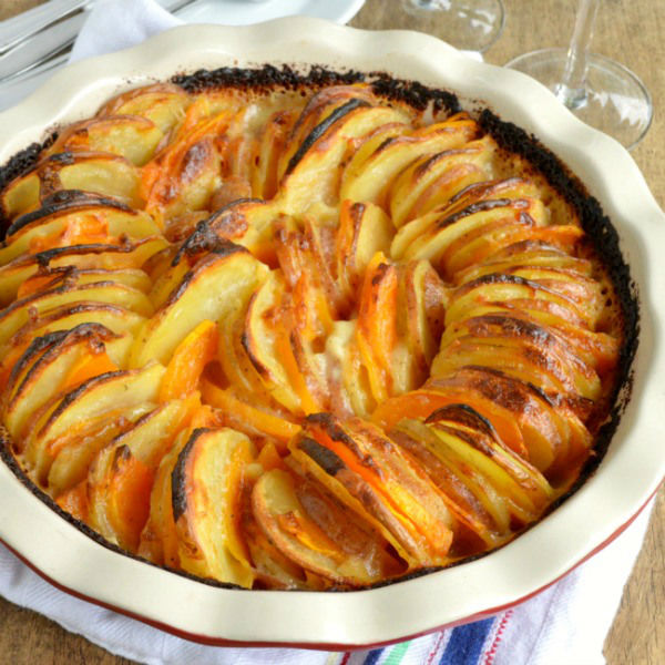 Garlic Herb Potatoes and Squash - Sugar Dish Me