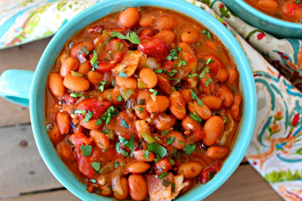 Easy Charro Beans with Canned Beans ~ Authentic Mexican charro beans, made quick and easy using canned beans and tomatoes, bacon, and fresh produce ~ The Complete Savorist #RecetasParaMomentos ad