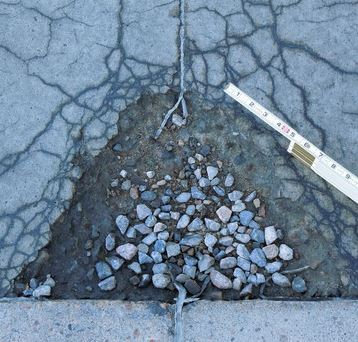 Concrete affected by Freezing and Thawing