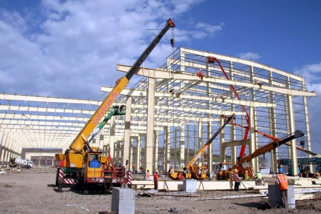 Comparison of Pre-Engineered with Conventional Steel Buildings