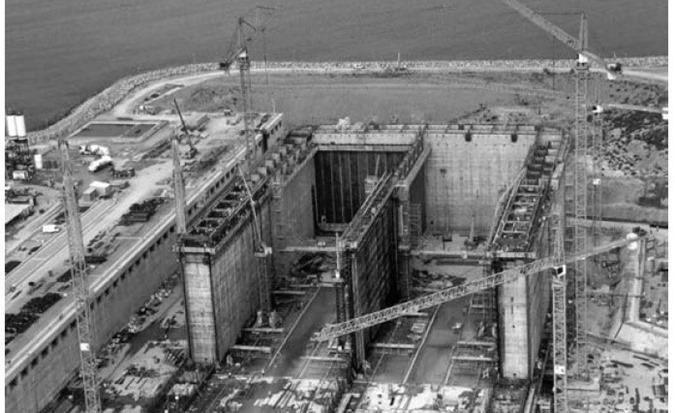 Dry Dock Construction of Reinforced Concrete Isola Di Porto Levante LNG Terminal