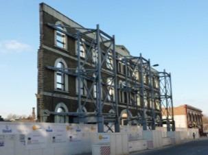 Facade retention construction