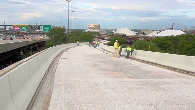Latex Modified Hybrid Concrete Overlay Applied for Deck of a Bridge