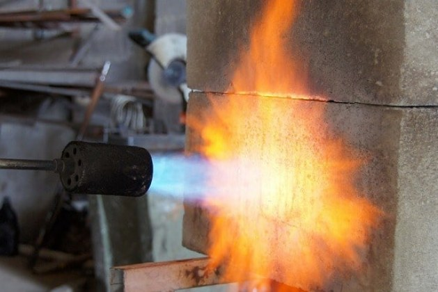 Fire Resistance of Concrete Materials and Structures
