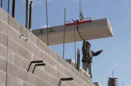 podium slab construction using hollow core precast units