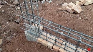 placement of reinforcement on flat soling bricks