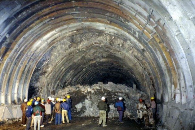 Tunneling Failures – Causes and Remedies [PDF]