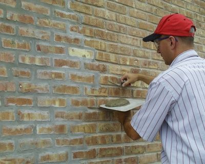 Placing Mortar in the Joints