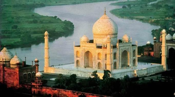 River Yamuna near Taj Mahal
