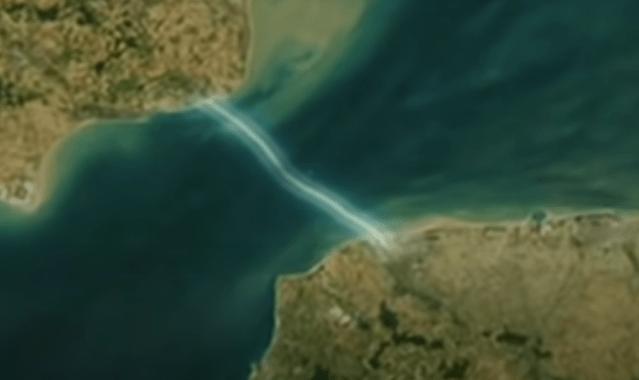 Model of underwater channel tunnel