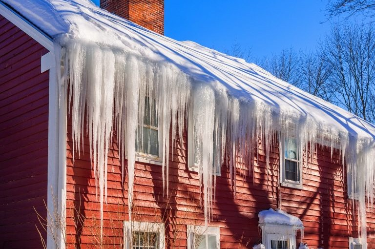 How to Protect Metal Roof Panels in Cold Climates?
