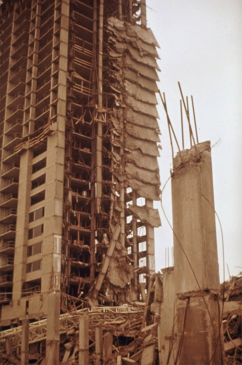 the collapse of the Skyline Plaza Apartment Building was due to poorly managed construction processes