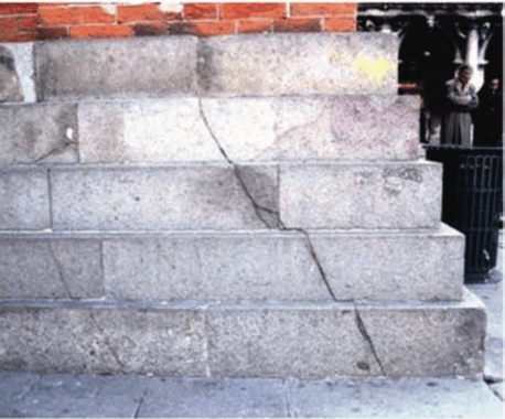 Shear cracks propagation in the foundation of the San Marco Bell Tower