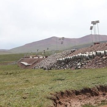 Materials used for the construction of the ventilation ducts were PVC and concrete on the Qinghai–Tibet Railway.