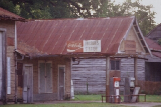 Outta Gas, Cloutierville, Louisiana (copyright: Laurie Snyder, 1999)