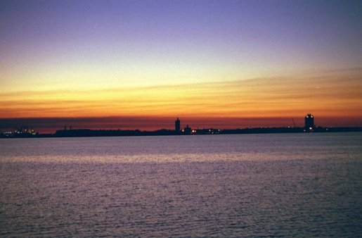 Sunset 3, Lake Charles, LA (copyright: Laurie Snyder, 1999)
